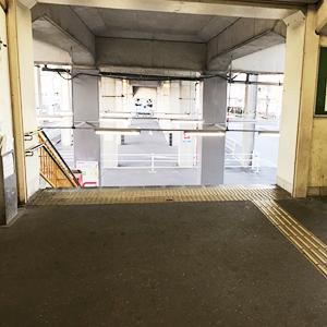 1.名鉄西尾線南安城駅の改札を出る